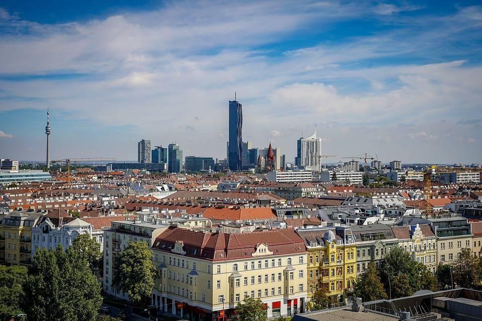 فيينا عاصمة النمسا يعني